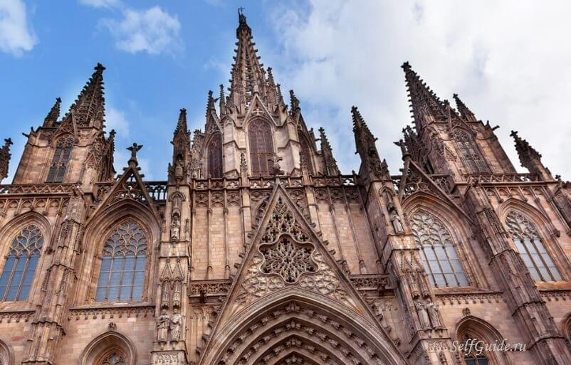 Туристам покажут Барселону XIV века через очки виртуальной реальности