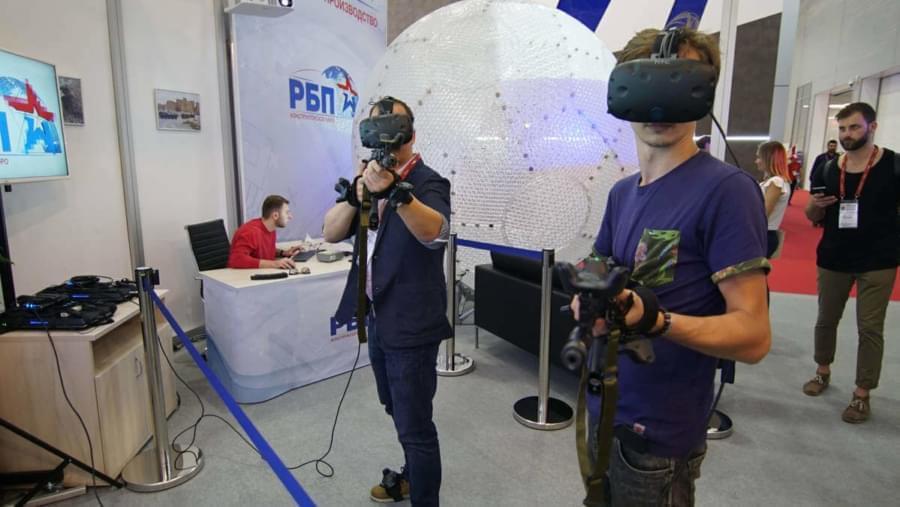 На форуме «Армия-2017» презентовали тренажер виртуальной реальности для военных