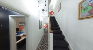 Студенты теперь могут просматривать жилье в VR