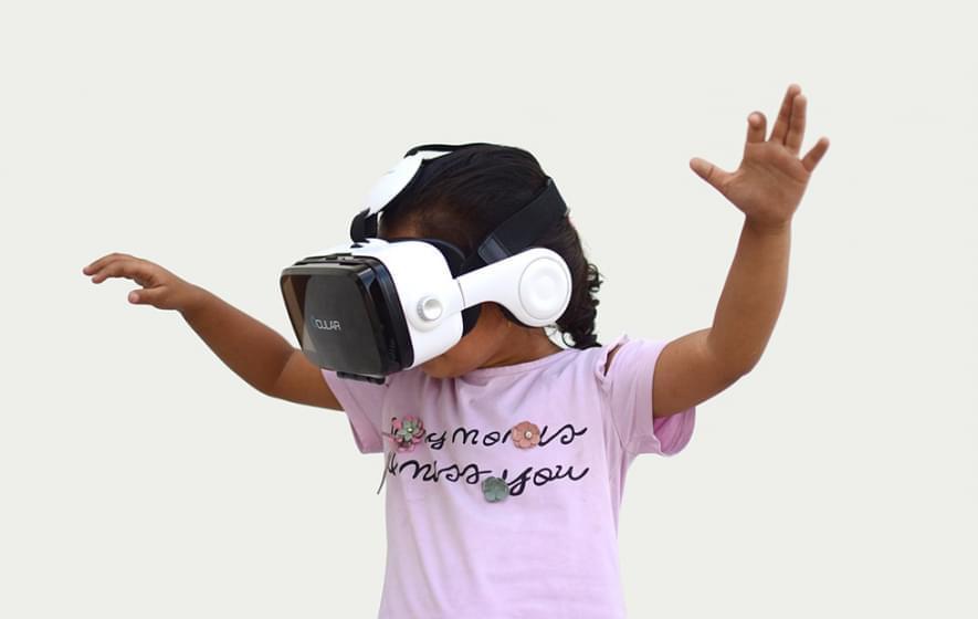 Врачи используют VR, чтобы уменьшить страх детей перед инъекциями
