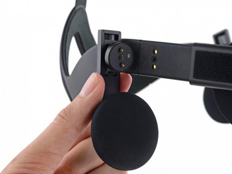 Палмер Лаки предлагает бесплатный ремонтный комплект для Oculus Rift