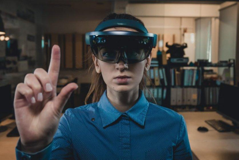 HoloLens первого поколения больше не будет получать крупные обновления ОС
