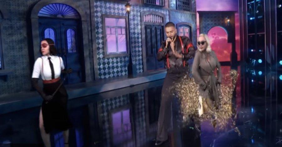Мадонна выступила со своими AR клонами во время Billboard Music Awards