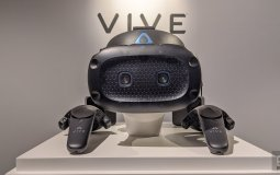 HTC Vive Cosmos Elite доступна для предзаказа. Первые поставки - 18 марта