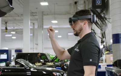 Mercedes-Benz начал использовать HoloLens 2 для обслуживания автомобилей
