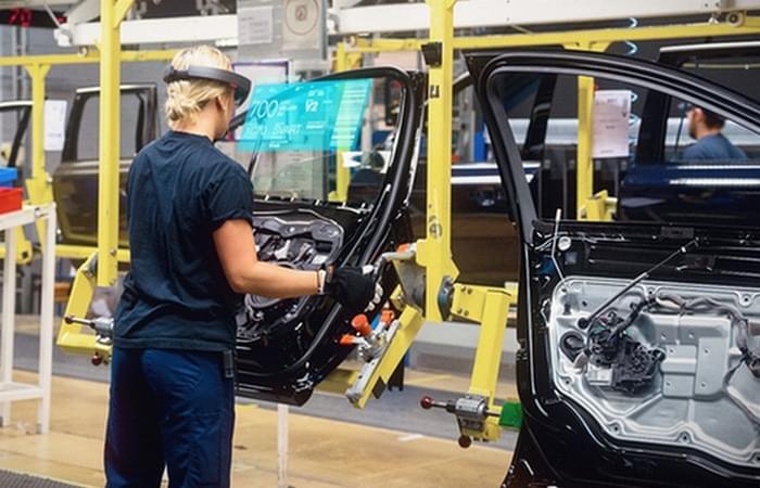 Дополненная реальность в автомобильной промышленности
